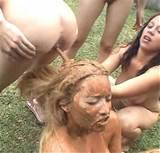 Lesbian Scat single pictures 02 - Hair_washing.jpg