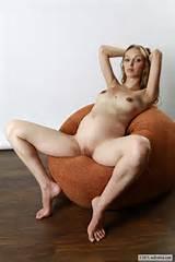 Zinaida's Nude Erotic Pictures at Av Erotica
