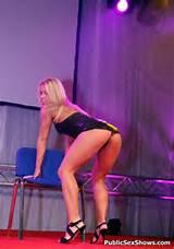 Blonde Amateur Stripper Mastubates In A European Public Sex Show