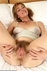 hairy mature blonde lydia - lyd004SRS_130371176.jpg
