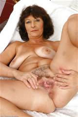 Shown at: http://xhamster.com/photos/view/684279-11040257.html